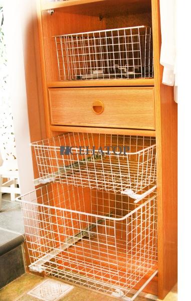 Другой вариант шкафа с корзинами