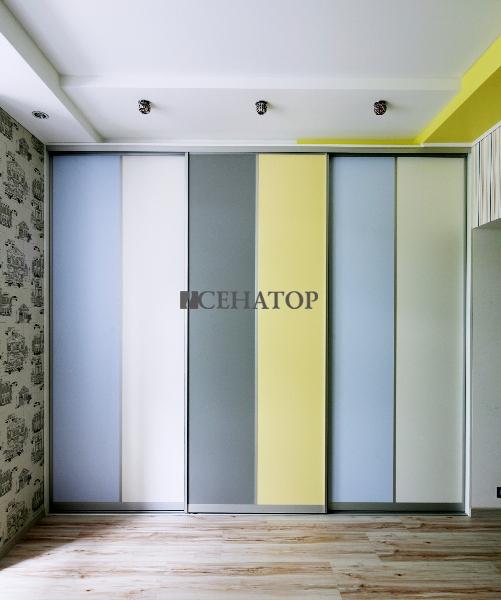Встроенный шкаф-купе в детскую комнату для девочки