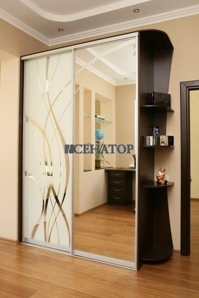 Встроенный дизайнерский двухстворчатый шкаф-купе в комнату подростка