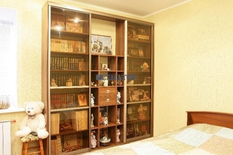 Библиотека-купе в спальне №1