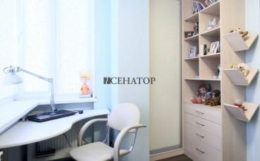 Шкаф-купе и полки в детскую комнату