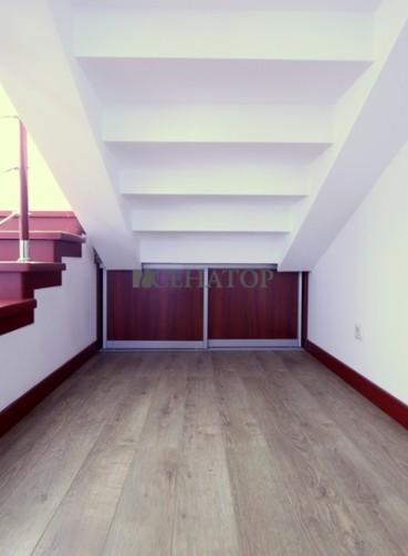 Дверки-купе под лестницу