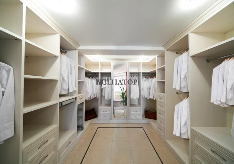 П-образная классическая гардеробная на заказ