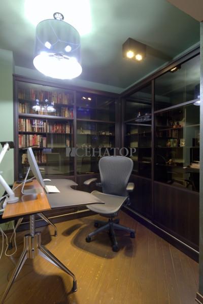 Библиотека в стильный кабинет
