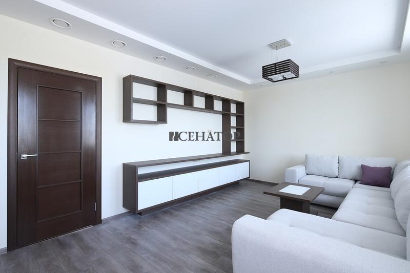 Встроенная  мебельная стенка