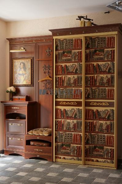 Эстетика и элегантность: классическая прихожая и шкаф-купе