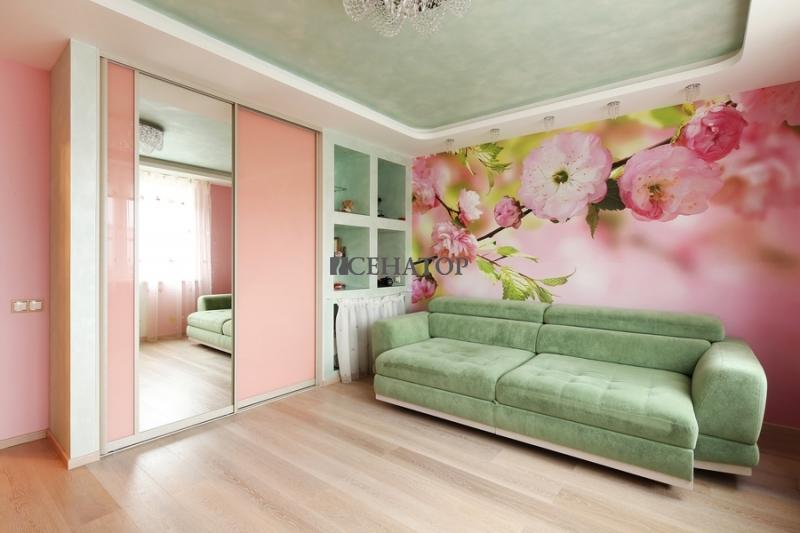 Шкаф-купе для гостиной в розовых тонах