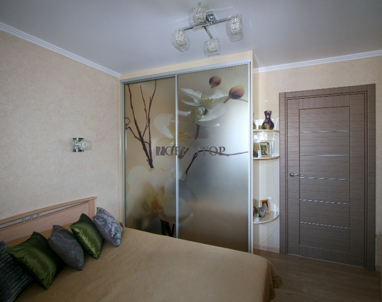 Шкаф-купе в спальную комнату.
