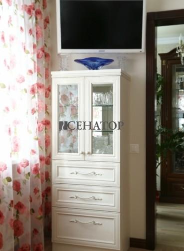 Шкаф-витрина в стиле «Прованс»