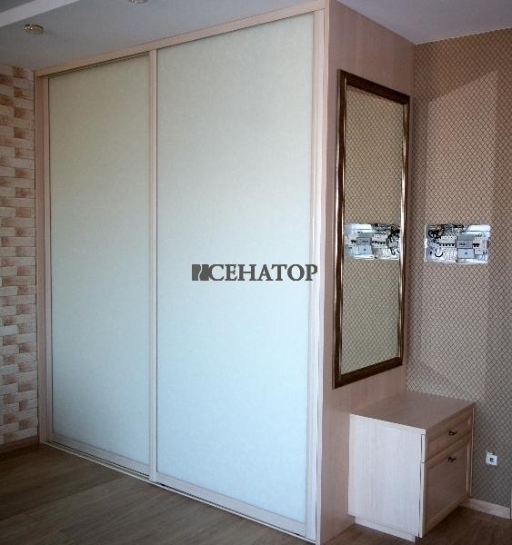 Розовый шкаф-купе