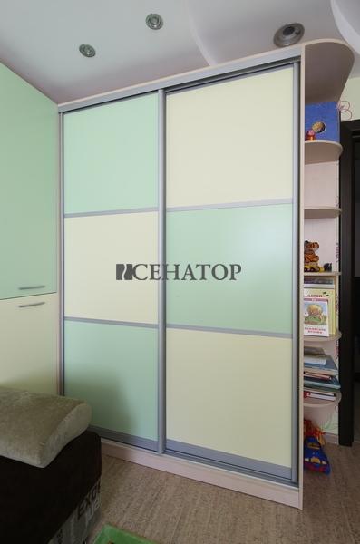 Шкаф-купе в детскую комнату №1