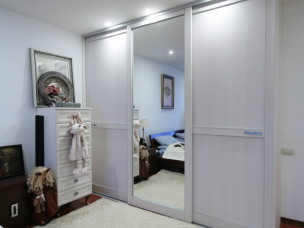 Шкаф-купе для небольшой спальни
