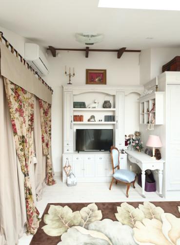 Детская классическая мебель в комнату для девочки